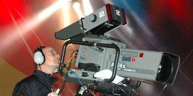 Fernsehkamera im TV-Studio